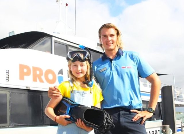 Rosita achieves dream of diving with Reef turtles at 10 years old
